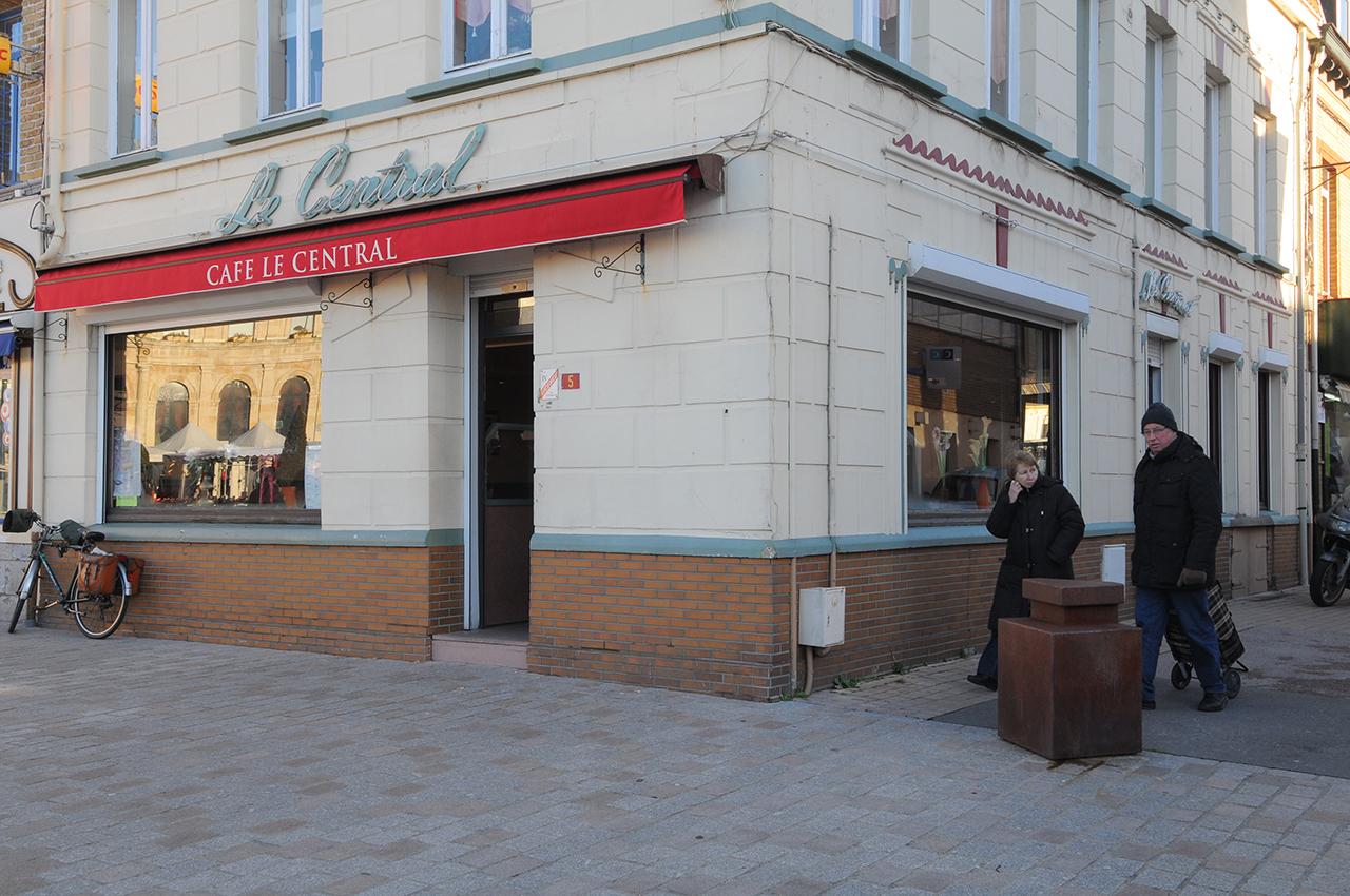CAFE LE CENTRAL